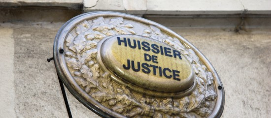 Notification d'un redressement fiscal par huissier de justice